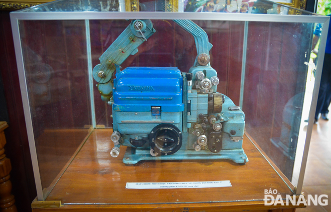A Yrpanha old-fashioned movie projector provided by the Ha Noi-based K5 Film Studio.