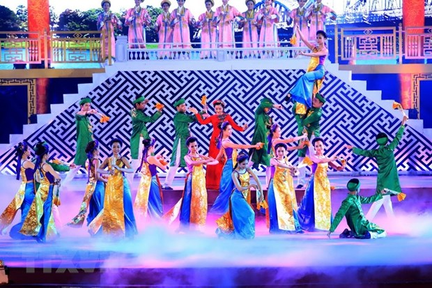 A dancing performance at the closing ceremony of the Hue Festival 2018 (Photo: VNA)