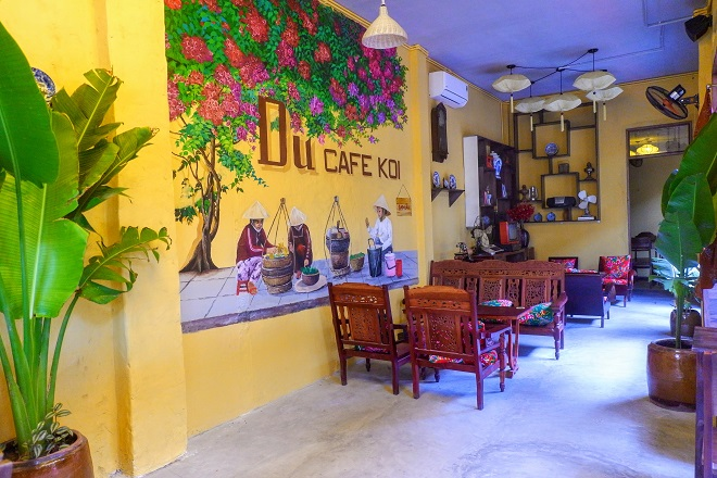 Du café - great place to escape the bustle of city life