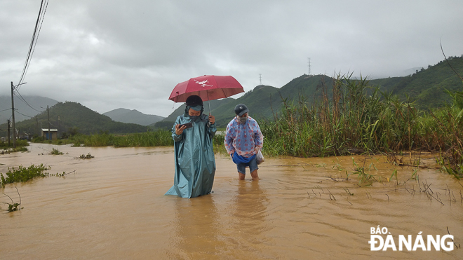 Many villages in Hoa Lien Commune heavily submerged in floodwaters
