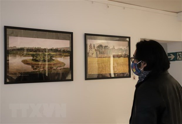 At the exhibition (Photo: VNA)