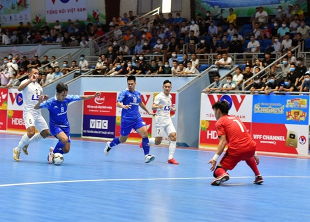 Vietnamese players compete at the current National Futsal Championship. (Photo courtesy of VFF)